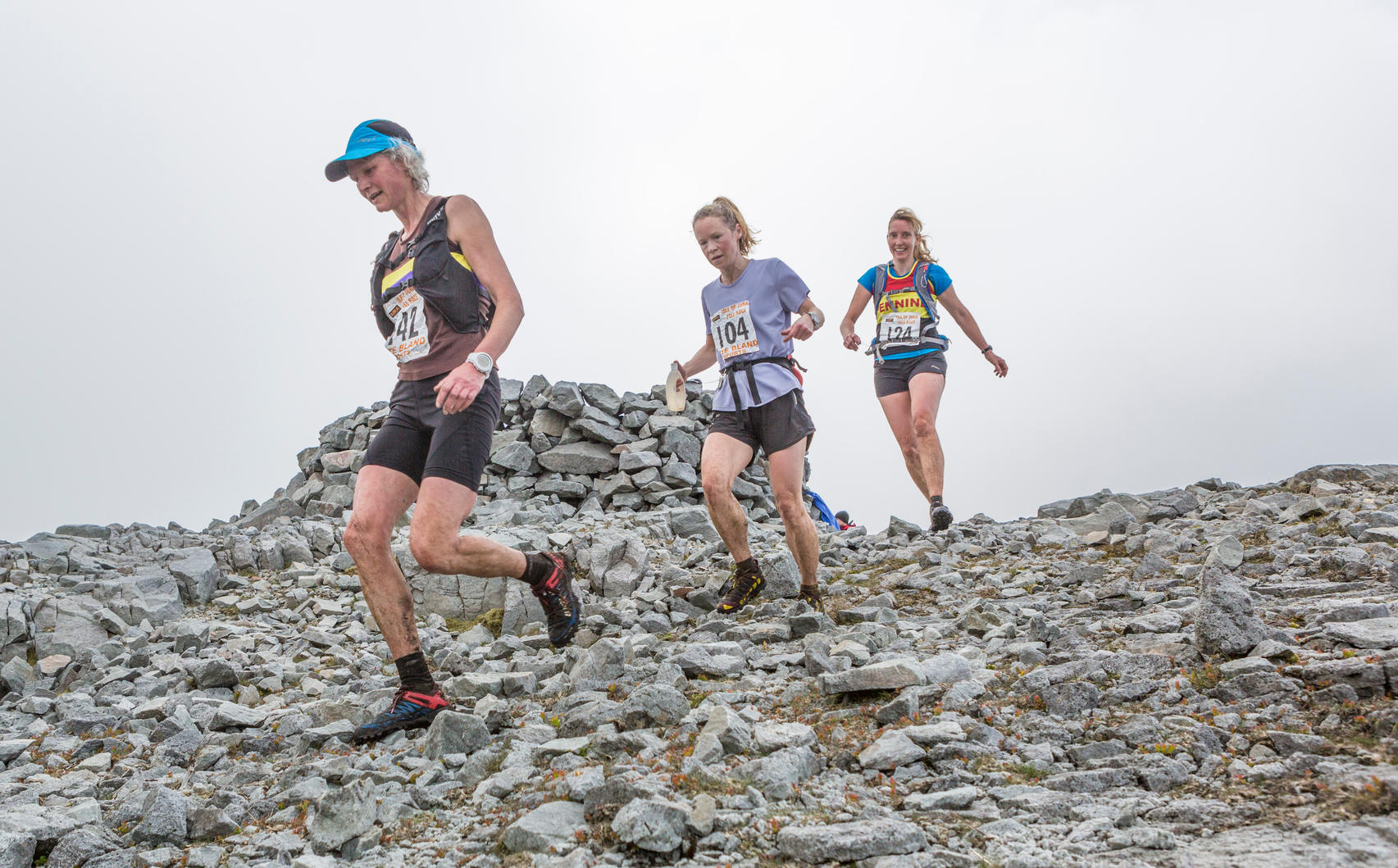 G2EACA Jura, UK. 28th May, 2016. The Jura Fell Race is one of the toughest British Hill Race challenges with a 28km course taking in 7 mountain summits and a total rise of 2370m. Taking place on the Scottish island of Jura and sponsored by the Isle of Jura Distillery, over 250 runners took part in the event with the winner Finlay Wild completing the course in 3 hours 9 minutes and 53 seconds. The Women?s race was won by Jasmin Paris in 3 hours 40 minutes and 59 seconds.  Pictured: Runners entering the first checkpoint at Dubh Beinn © Richard Dyson/Alamy Live News