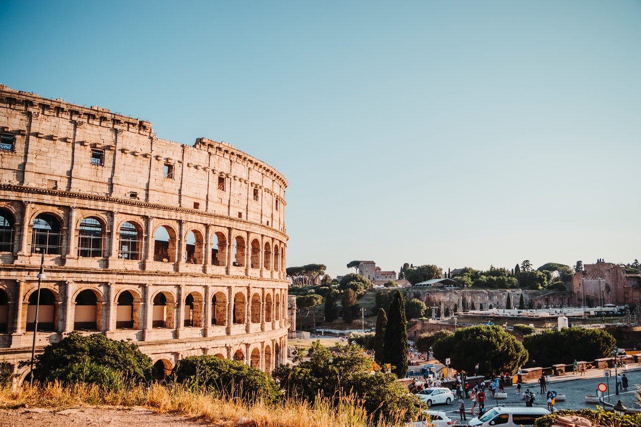 photo-of-colosseum-during-daytime-2676642 (1)